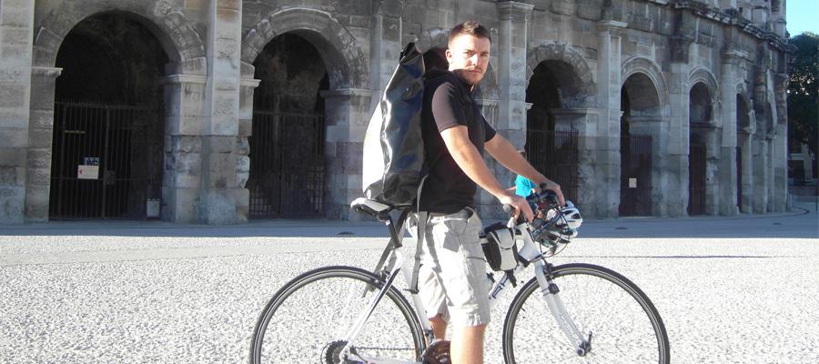 écolo livre ses colis à vélo